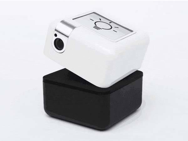 plen_cube_palm_sized_personal_assistant_robot_2
