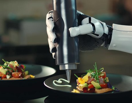 This cooking robot makes omelette for your breakfast