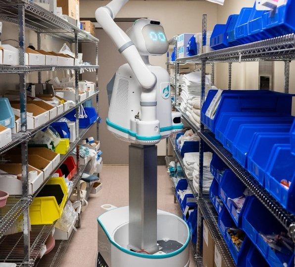 Moxi-robot-healtcare-assistant