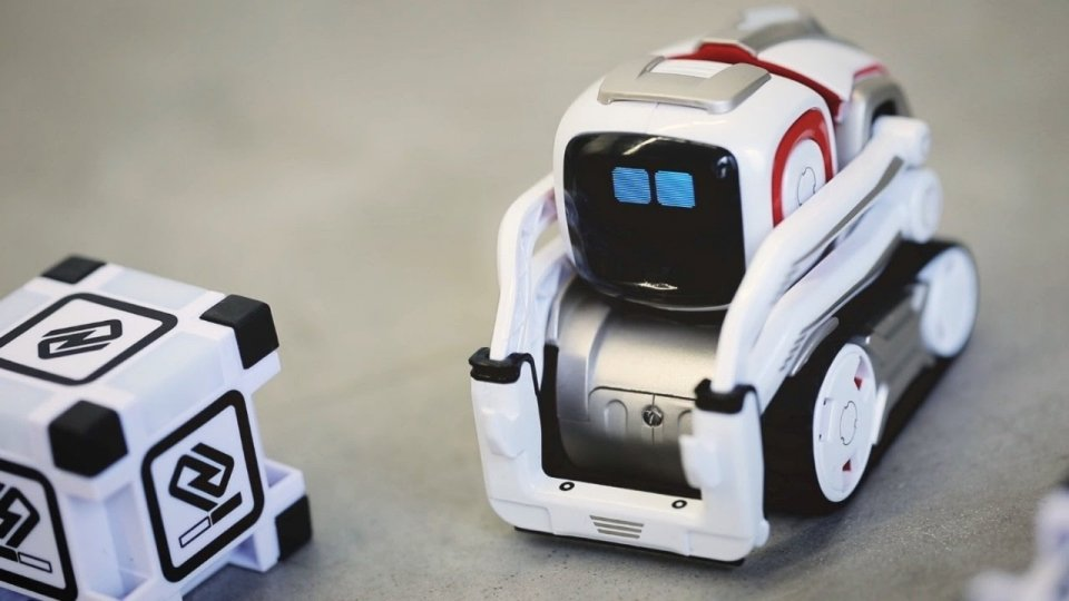 anki cozmo is still one of top 10 robot you can buy right now