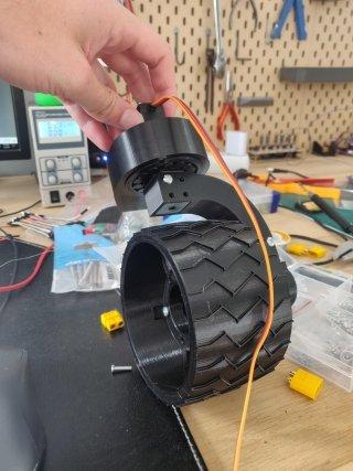 3d-printed-rover-servo-motors