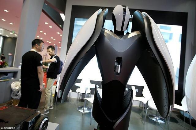 chinas-robotics-service-robot