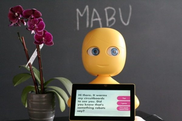 mabu-robot-health-assistant