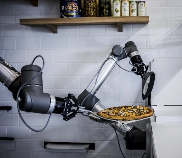 pizza maker robot robotic arm