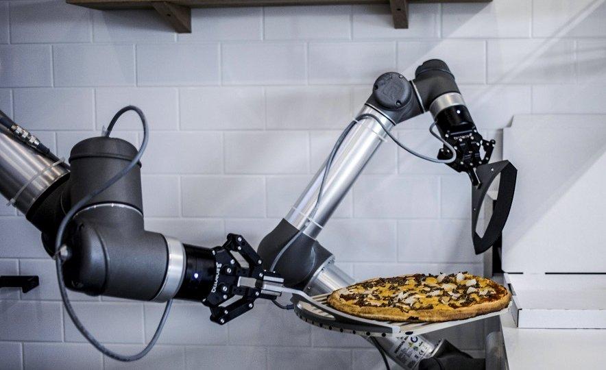 pizza maker robot robotic arm