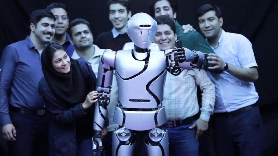 surena-iv-robot-humanoid