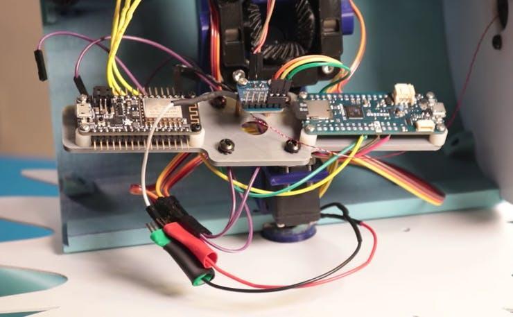 maid-robot-inner-parts