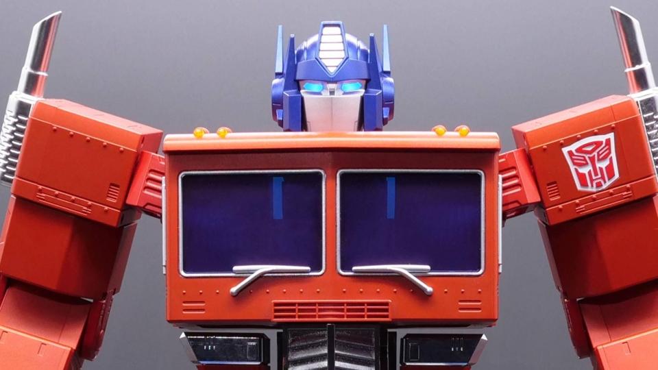optimus-prime-robot-collector